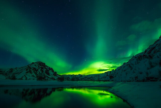 Canadians Discover New Kind of Northern Lights